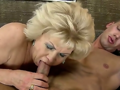 Blonde granny gets nailed with a giant youthful pulsating 10-Pounder after giving an awesome head