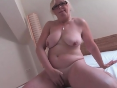 Naked old playgirl masturbates her unshaved cunt