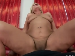 Shaggy mature twat rides dick in POV porn