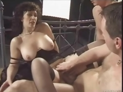 Retro threesome with nasty brunette hair milf